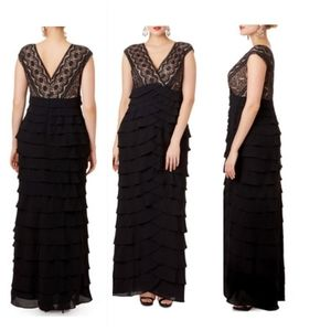 ADRIANNA PAPELL Black Lace Scallop Sleeveless Gown